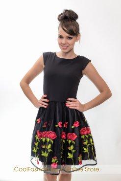 necc fekete himzeses viragos ruha