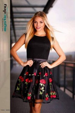 fekete himzett rozsas loknis ruha ... 01cc70417e